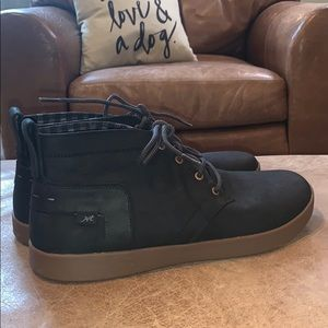 Chaco Men's Davis Mid Leather Boots